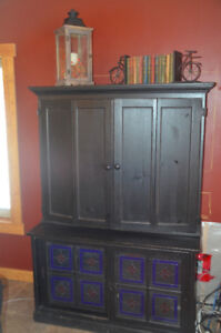Media Hutch / TV stand / Entertainment Centre
