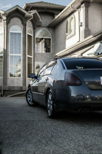 2004 Nissan Maxima (3.5L V6)  *WITH WINTER TIRES*