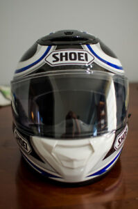Shoei Qwest Helmet. Size Large. Near new condition.