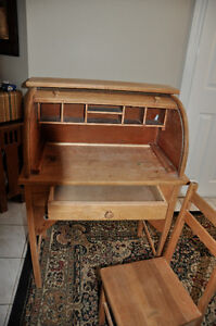 Antique Children's Roll Top Desk  and chair $125 Cambridge Kitchener Area image 2