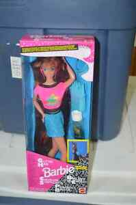 Complete Set of 1993 Glitter Hair Barbie's (3 dolls included) London Ontario image 3