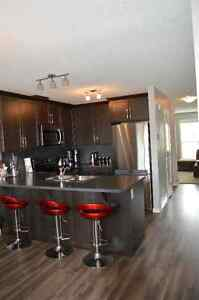 Beautiful and cozy townhouse to rent in Cochrane, AB