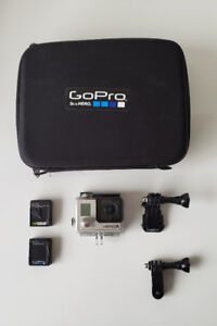 GoPro Hero 3 | Silver | 2 Extra Batteries | Remove + Extras