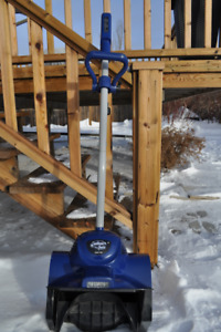 SNOWJOE ELECTRIC SHOVEL