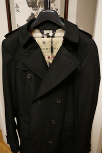 Reduced: BNWT Burberry Sandringham fit trench coat, size 46