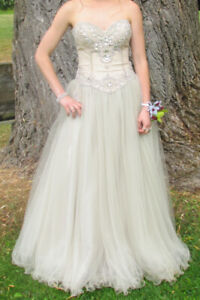 GRAD or possible wedding dress