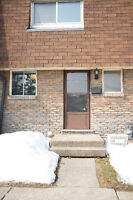 3 Bedroom Townhouse - Welland Avail Oct 1/15