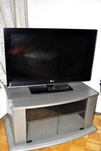 """LG 32"""" HDTV and tv stand - 130.00"""
