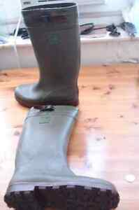 """NOKIAN WILDARK OLIVE GREEN APPROX 14""""RUBBER BOOTS"""