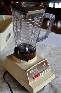 Osterizer Blender/food processor in good condition
