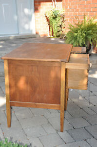 Vintage Students wooden desk $40 Cambridge Kitchener Area image 3
