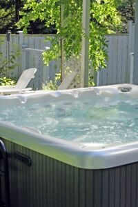 USED HOTTUBS