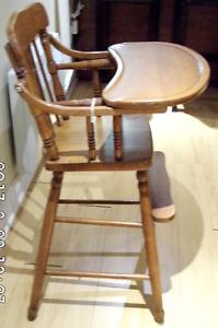 Belle chaise haute en érable de marque Roxton