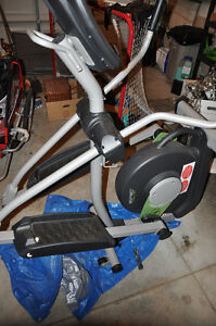 Epic 790 HR Elliptical trainer