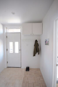 FULLY FURNISHED RENOVATED 3 BDRM APT PLATEAU