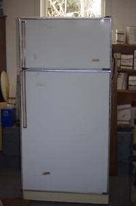 Eaton's 2 door fridge/ Freezer