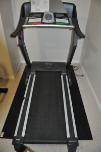 Epic 400 MX Treadmill (folding)