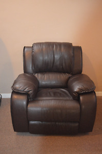 Brand New 3pc Recliner Leather Sofa Set in Packaging! Very COMFY
