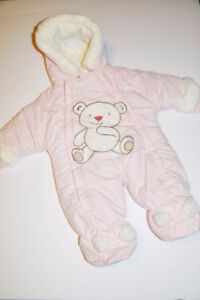 Baby girl winter suit. Very warm. Excellent condition.