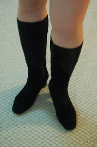 Chamois high shoes