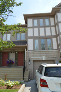 >>>>>>> Condo Townhouse for Rent - Great location, great house
