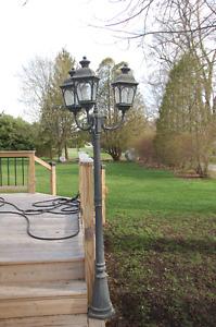 tri-lite lamp post