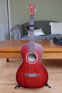 Art & Lutherie Ami Parlor guitar