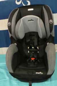 INFANT/CHILD Car Seat COMBO- 5 To 65 Lb - Excellent Condition