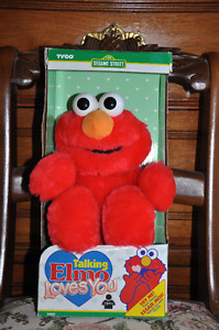 Vintage 15 Inch Talking Elmo Loves You.