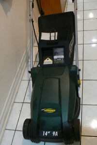YARDWORKS ELECTRIC LAWNMOWER - Excellent Condition