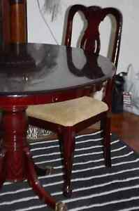 Table and 4 chairs Cambridge Kitchener Area image 2