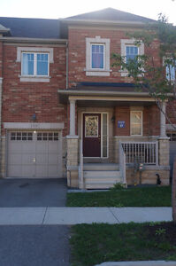 Spacious townhouse for rent in Milton, ON - Available Nov. 24th