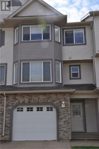 FOR RENT FURNISHED/UNFURNISHED 3+1 BDRM TOWNHOME.