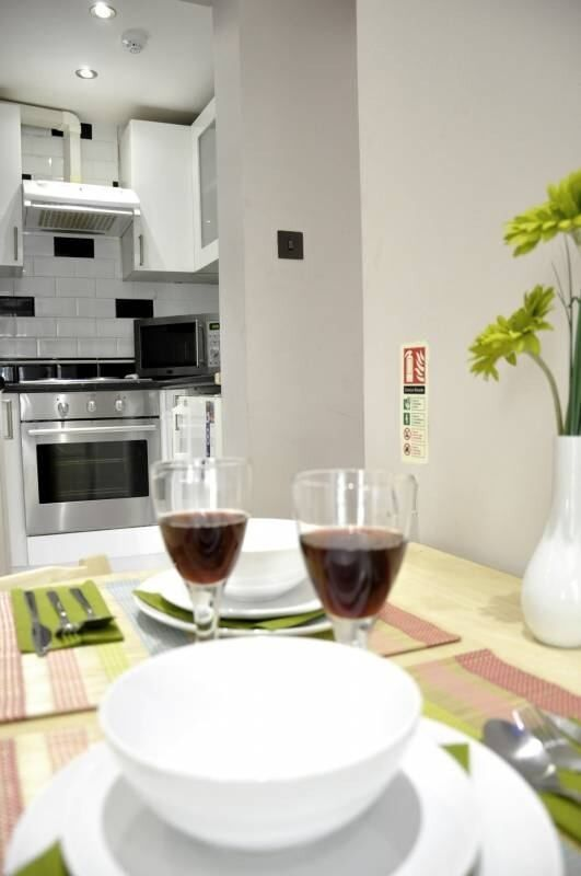 Amazing studio flat - Separate Kitchen - 10' Baker Street - Short Let 1 month **MOVE IN TODAY!