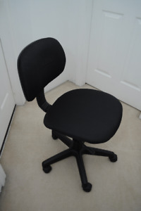 Staples Steno Office Chair with Wheels
