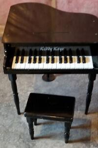 Tiny Kiddy Piano