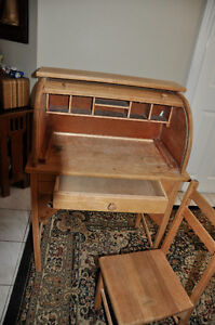 Antique Children's Roll Top Desk  and chair $125 Cambridge Kitchener Area image 3