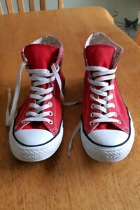 Mens High Top All-Star Converse Sneakers - Size 8.5