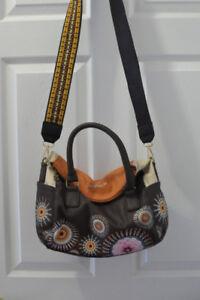 VERY PRETTY Desigual top handle sachel bag