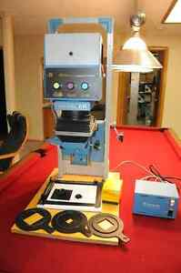 Beseler 23 C II enlarger with Dichroic head and power supply