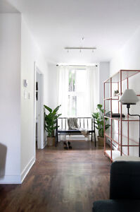 CHARMING & RADIANT 4 BEDROOM APARTMENT NEAR MCGILL - AVAIL MAY 1