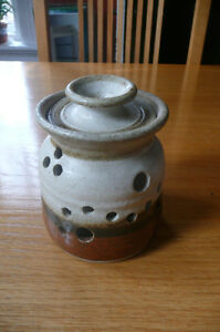 Pottery Garlic Keeper with lid