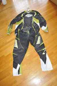 Suit de motocross Shot race gear en très bon état