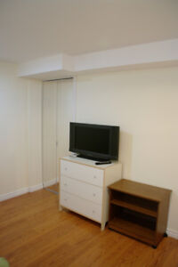 Furnished room near college, international students preferred