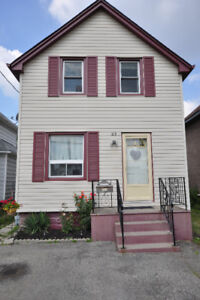 Home 4 Sale in Welland--$200,00--Opportunity Knocks!