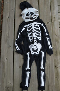 Halloween costumes for kids: ghost/ skeleton
