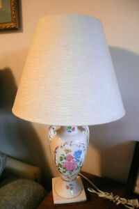 Old TABLE LAMP Newer Shade Ceramic Make an offer