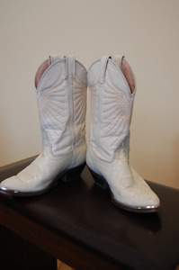 Ladies Laredo all leather western boots