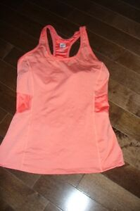 chandail,camisole/sport,tunique/robe