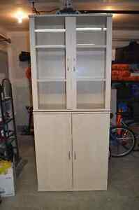 Convertable China Cabinet/Hutch - Great Condition